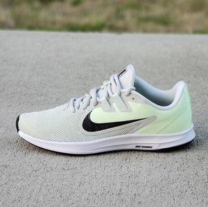 NIKE DOWNSHIFTER WOMEN'S RUNNING SHOES SIZE 7 NEW